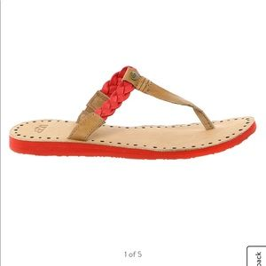 UGG NAVIE BRAIDED LEATHER FLIP FLAT